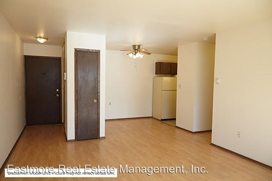 3 Bedrooms 2 Bathrooms Apartment for rent at 4246 S. 60th Street in Milwaukee, WI