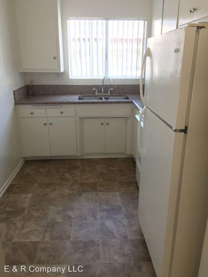 Studio 1 Bathroom Apartment for rent at 18400 Valerio St. in Reseda, CA
