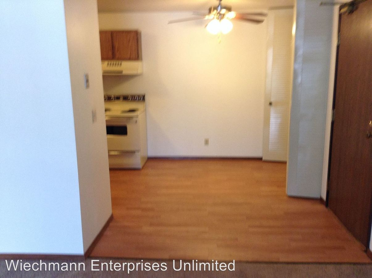 2 Bedrooms 1 Bathroom Apartment for rent at 1201 Gunn Street # 1 in Appleton, WI