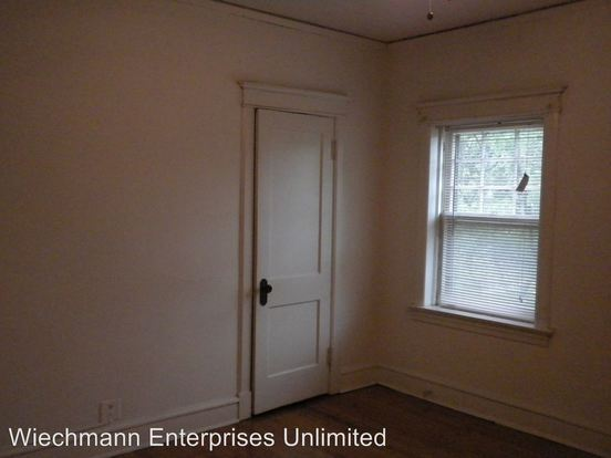 2 Bedrooms 1 Bathroom Apartment for rent at 2413 Webster in Milwaukee, WI