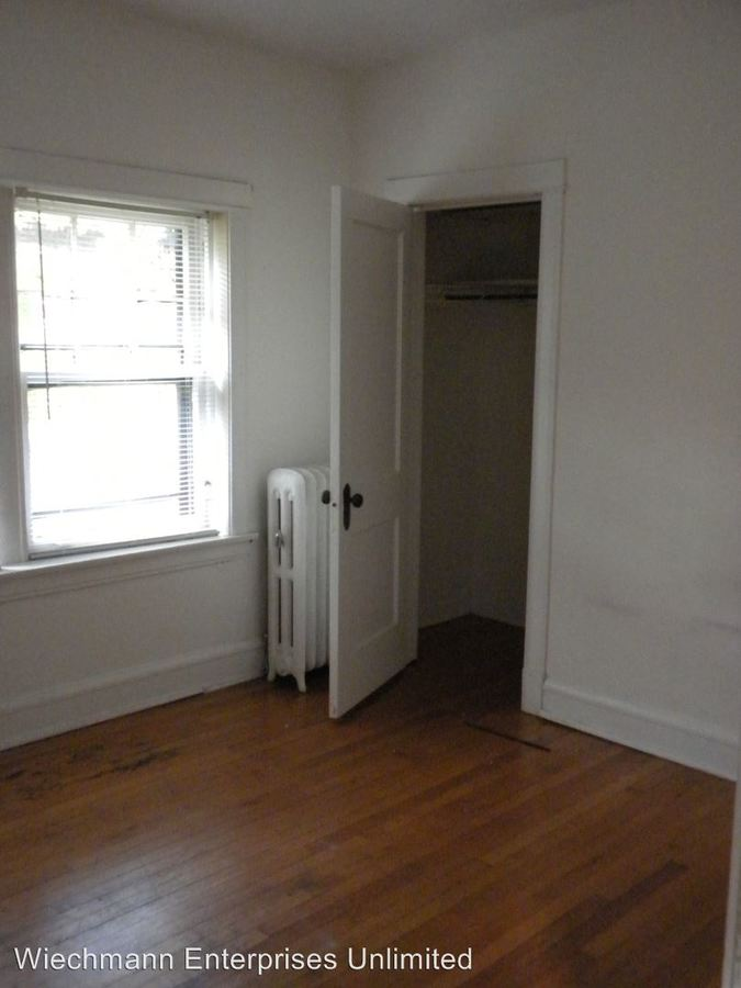 2 Bedrooms 1 Bathroom Apartment for rent at 2577 Stowell in Milwaukee, WI