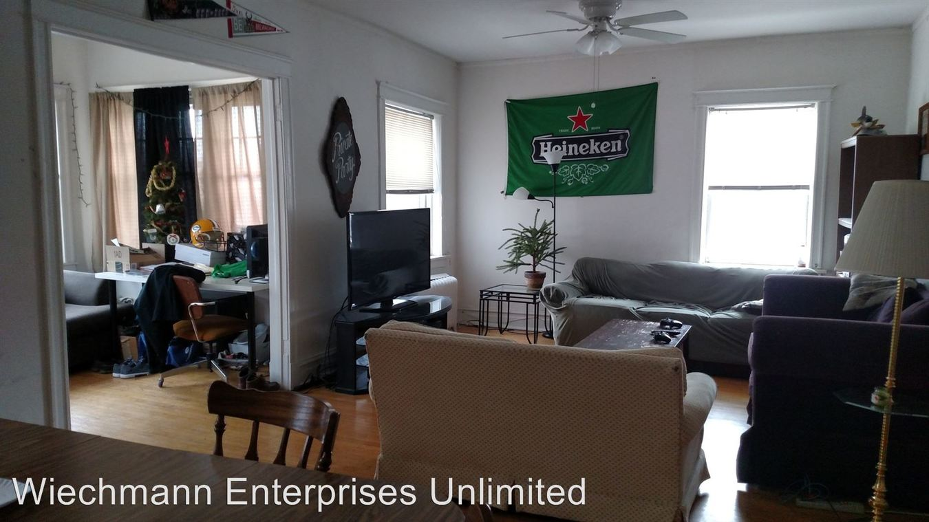4 Bedrooms 1 Bathroom Apartment for rent at 1902 Linnwood in Milwaukee, WI