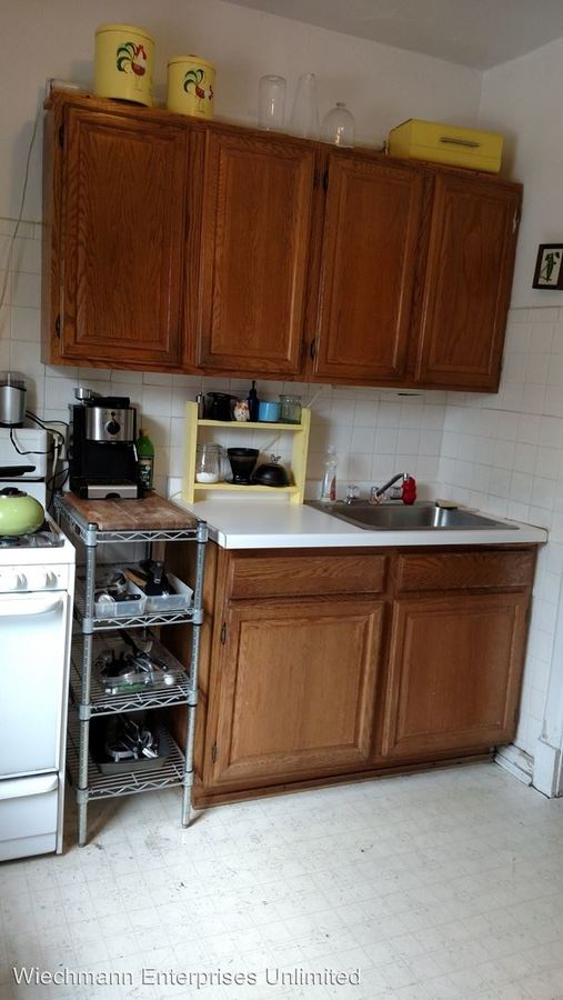 1 Bedroom 1 Bathroom Apartment for rent at 2413 Webster in Milwaukee, WI