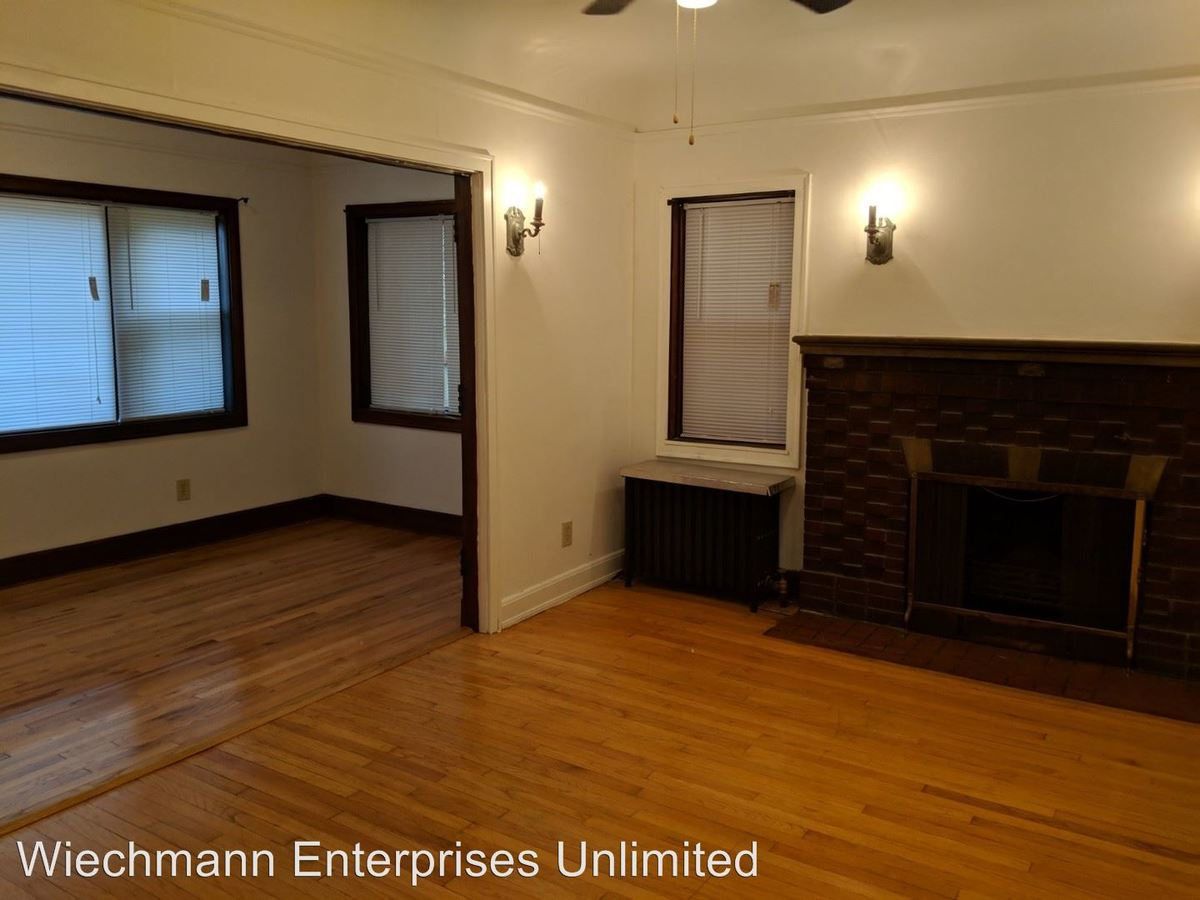 2 Bedrooms 1 Bathroom Apartment for rent at 1132 East Pleasant Street in Milwaukee, WI