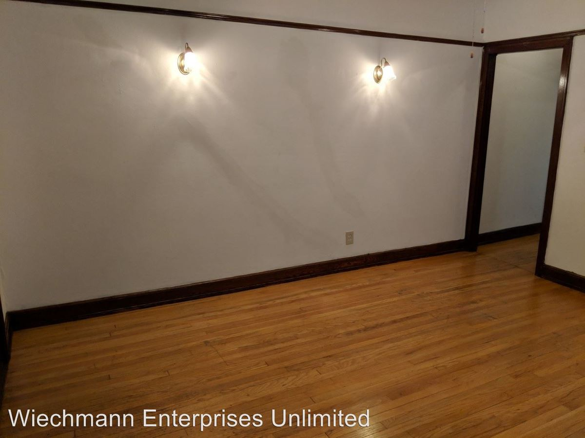 1 Bedroom 1 Bathroom Apartment for rent at 1132 East Pleasant Street in Milwaukee, WI