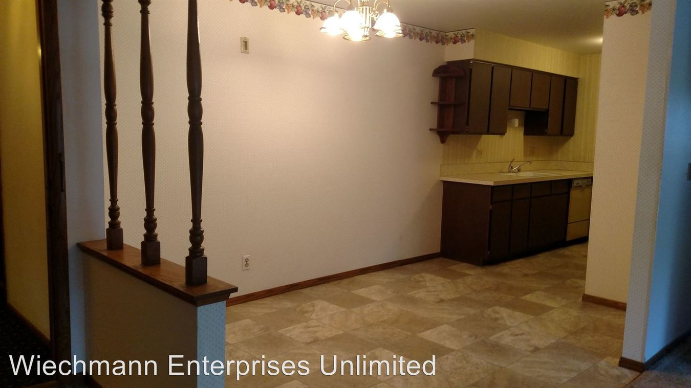 2 Bedrooms 1 Bathroom Apartment for rent at 1709 Jefferson Street in New Holstein, WI