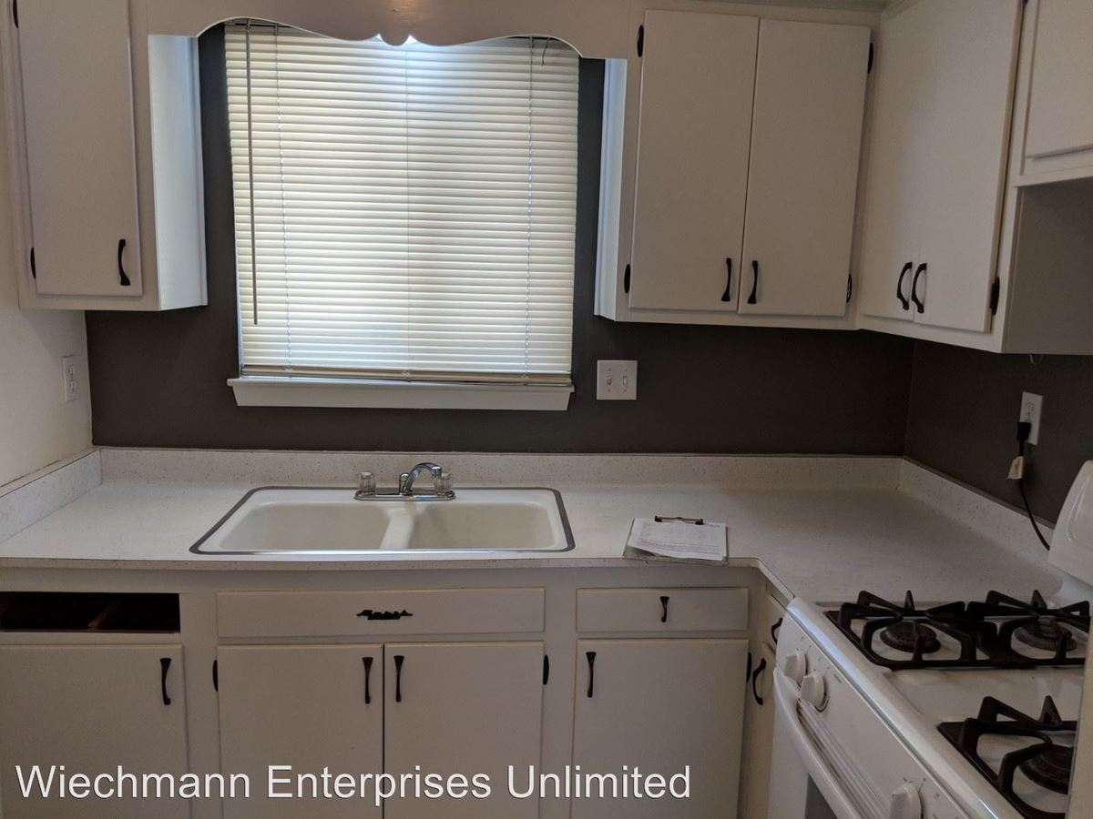2 Bedrooms 1 Bathroom Apartment for rent at 2705 North Oakland Ave. in Milwaukee, WI