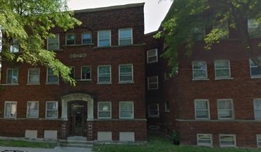 Similar Apartment at 2413 Webster
