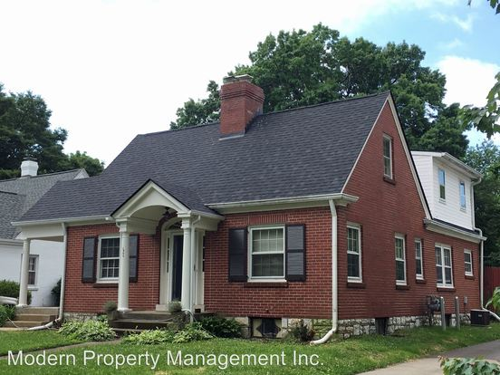 3 Bedrooms 2 Bathrooms Apartment for rent at 126 Barberry Lane in Lexington, KY