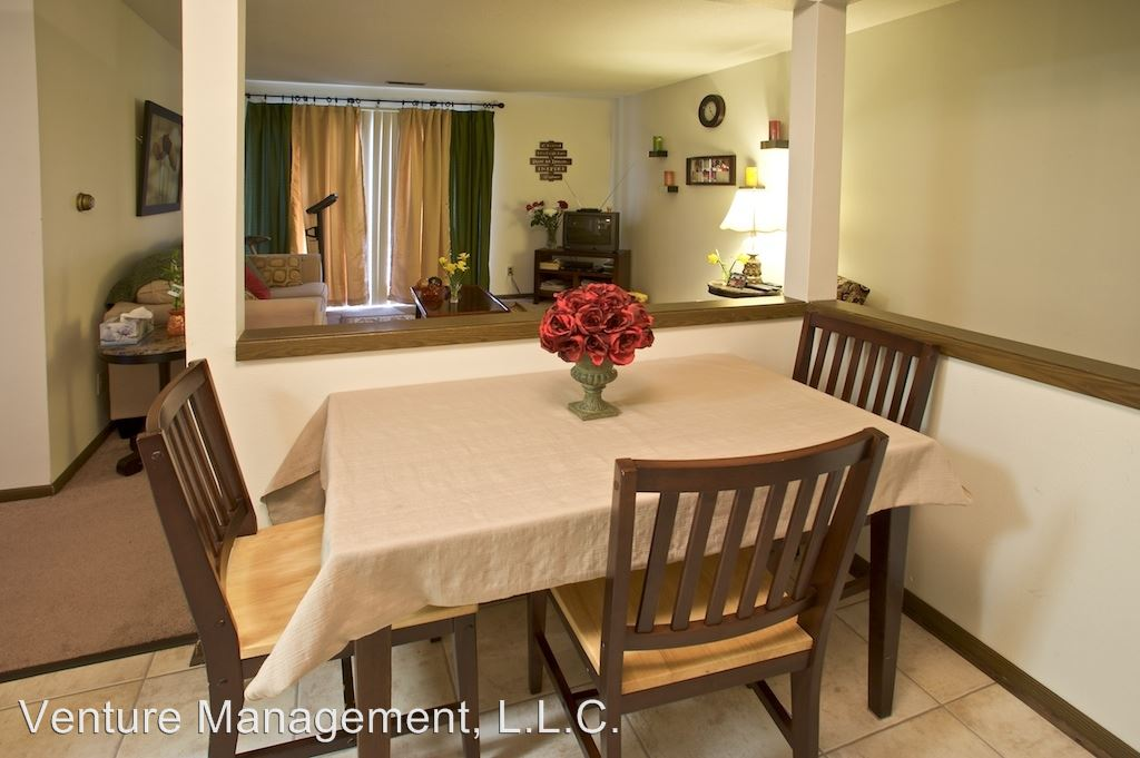 1 Bedroom 1 Bathroom Apartment for rent at Goldbriar Chateau 5555 S.w. 9th Street in Des Moines, IA