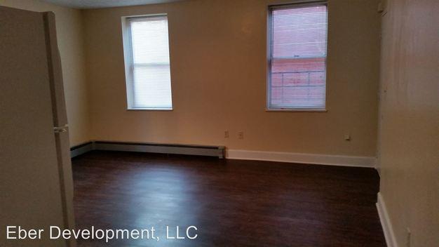 1 Bedroom 1 Bathroom Apartment for rent at 554 56 Milton St in Cincinnati, OH