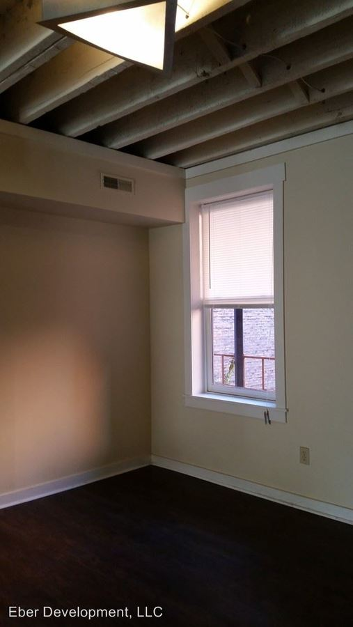 2 Bedrooms 1 Bathroom Apartment for rent at 131 E 14th St The House Electric Meter Is 108149629 in Cincinnati, OH