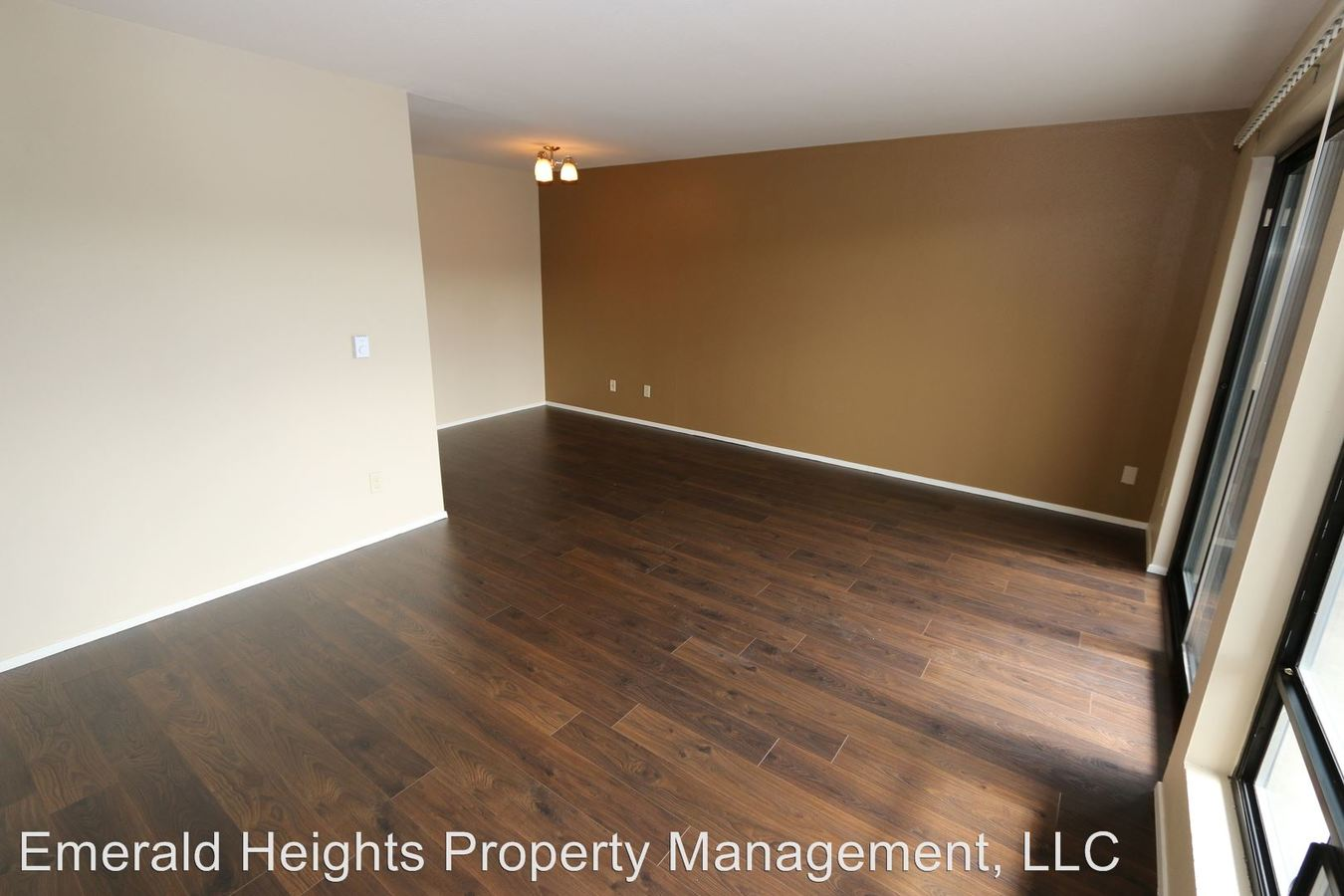 1 Bedroom 1 Bathroom Apartment for rent at 2820 15th Ave. W. in Seattle, WA