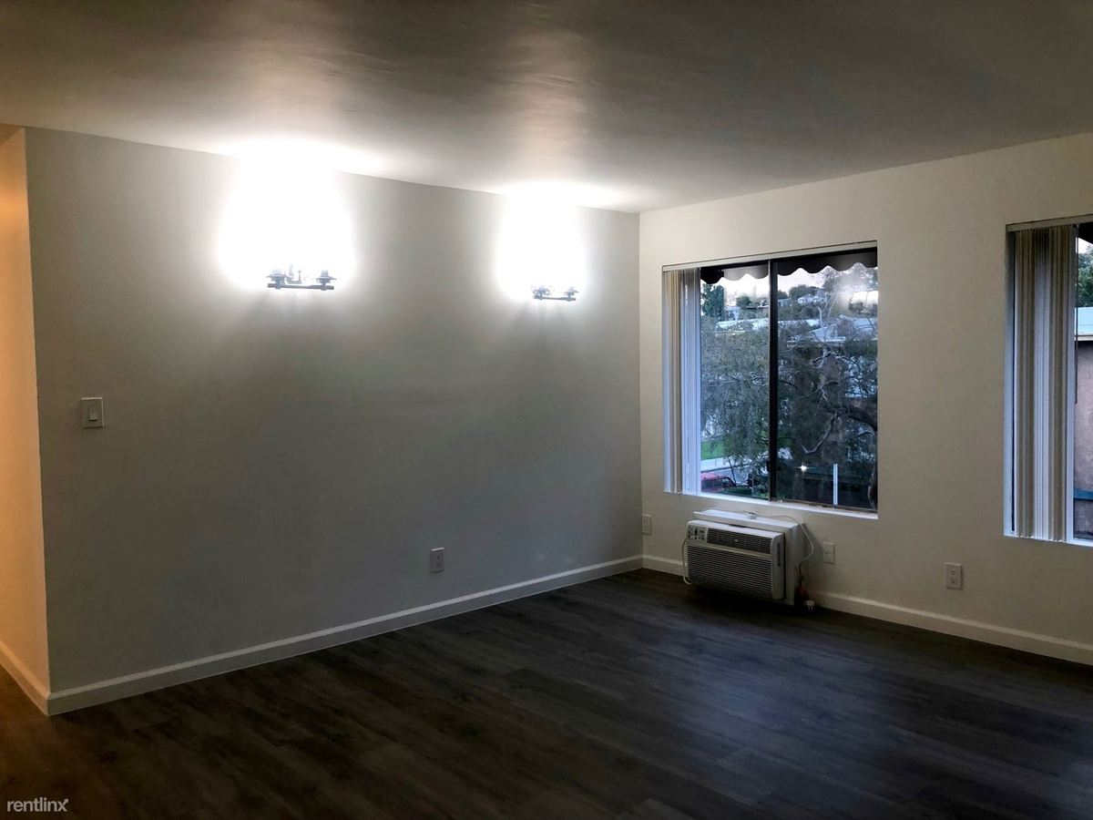 3 Bedrooms 2 Bathrooms Apartment for rent at 10770 Lawler St. in Los Angeles, CA