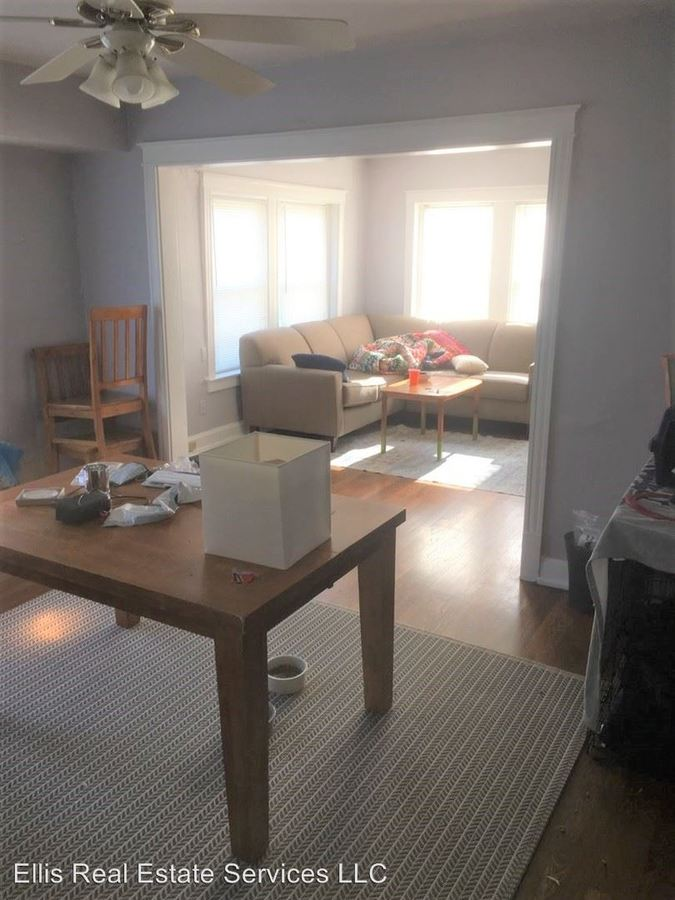 2 Bedrooms 1 Bathroom Apartment for rent at 4000 Warwick in Kansas City, MO