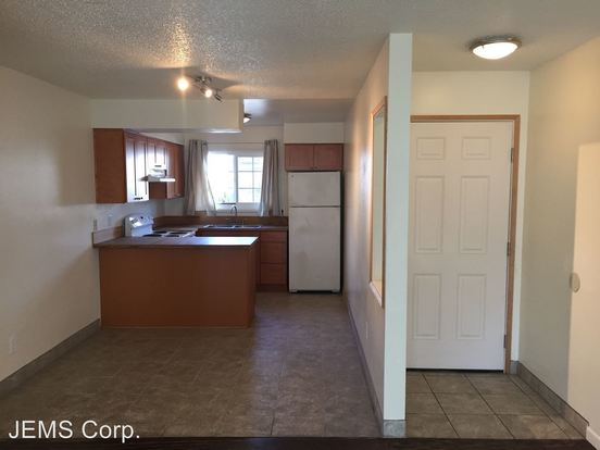 2 Bedrooms 1 Bathroom Apartment for rent at Se Cesar E Chavez Blvd, 97202 in Portland, OR