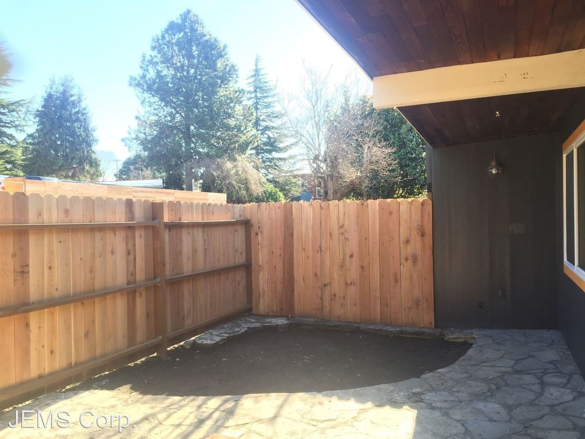 Studio 1 Bathroom Apartment for rent at Se 27th Ave in Portland, OR