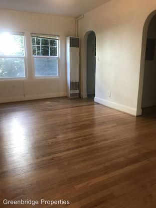 1 Bedroom 1 Bathroom Apartment for rent at 236 Se 32nd Ave in Portland, OR
