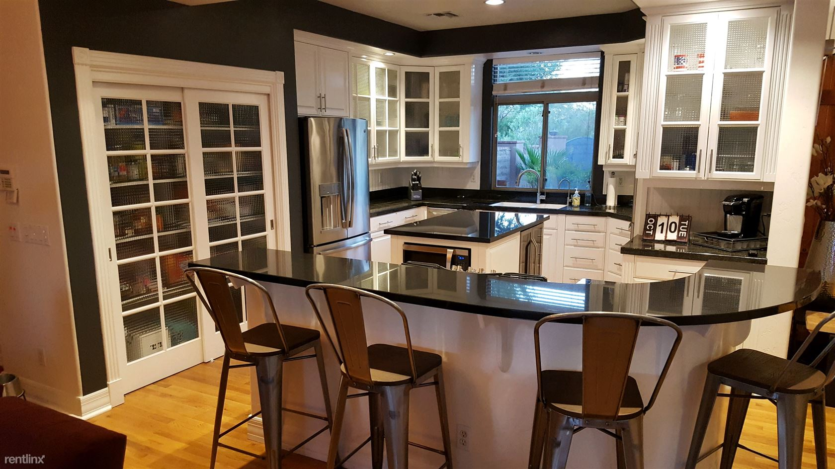 Similar Apartment at 3424 N Olsen Ave