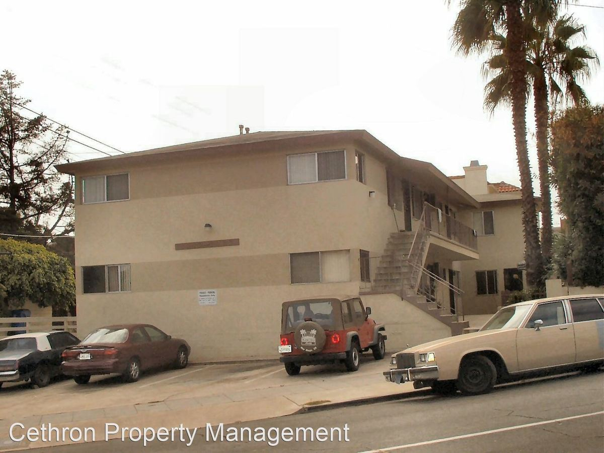 2 Bedrooms 1 Bathroom Apartment for rent at 1919-1923.5 Mission Ave in San Diego, CA