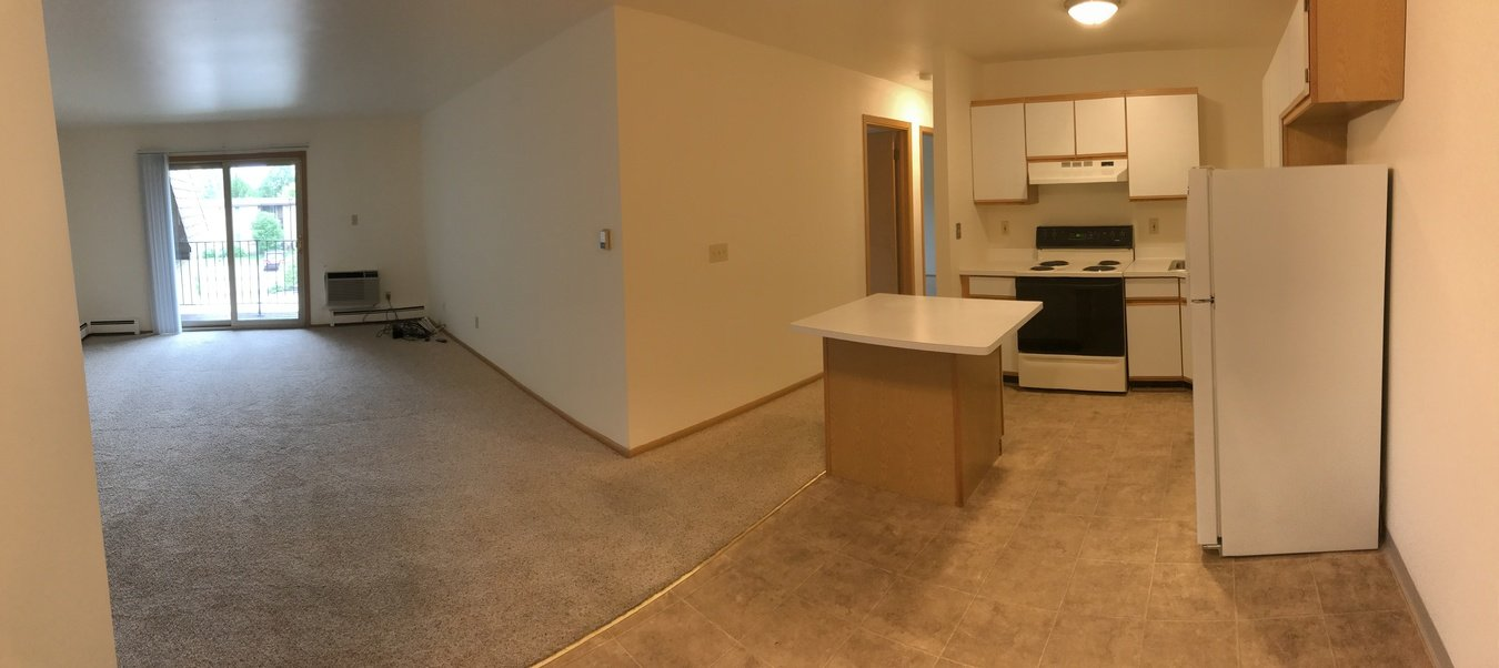 2 Bedrooms 2 Bathrooms Apartment for rent at Carriage Way Apartments in New Berlin, WI