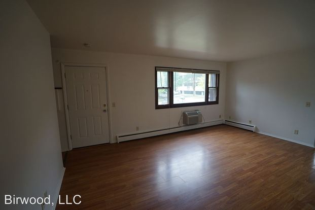 3 Bedrooms 1 Bathroom Apartment for rent at 2617 19 Mc Divitt Rd. in Madison, WI