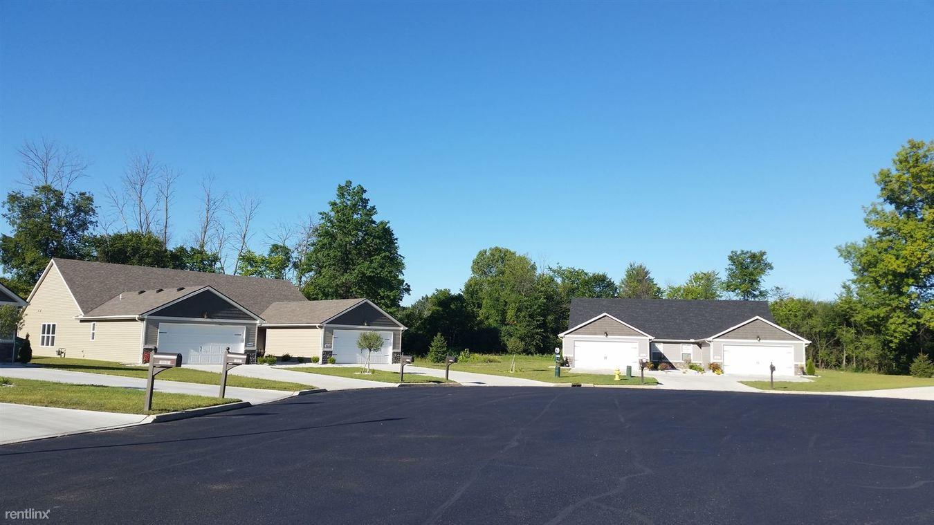 2 Bedrooms 2 Bathrooms Apartment for rent at River Oaks Villas in Perrysburg, OH