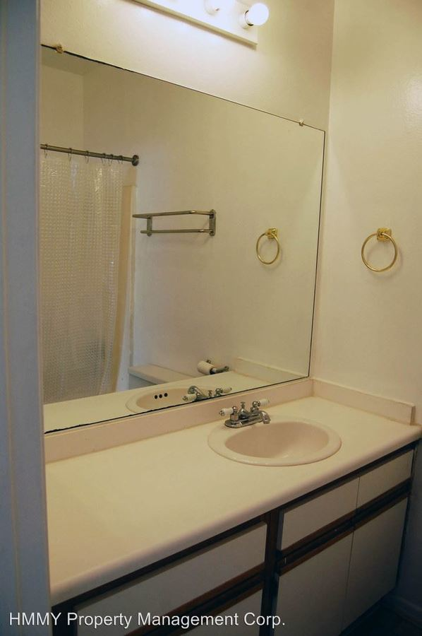 Studio 1 Bathroom Apartment for rent at 1229 N. Sycamore Ave. in Los Angeles, CA
