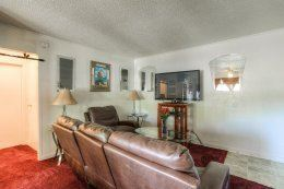 2 Bedrooms 1 Bathroom Apartment for rent at Wyandotte Apartments in Kansas City, KS