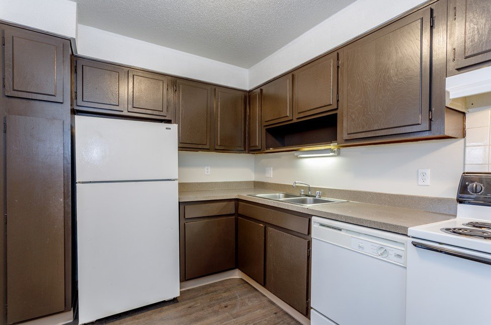 3 Bedrooms 2 Bathrooms Apartment for rent at Santa Fe Village in Kansas City, MO
