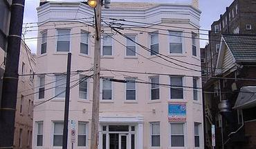 Similar Apartment at 222 N. Craig St