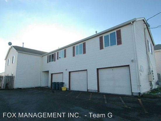 2 Bedrooms 2 Bathrooms Apartment for rent at 8232 8244 Se Washington Street in Portland, OR