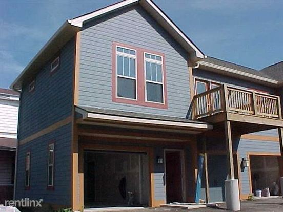 2 Bedrooms 2 Bathrooms Apartment for rent at 16 On College in Indianapolis, IN