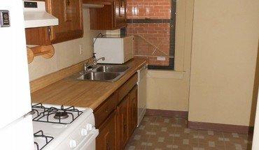 Similar Apartment at 941 St James St