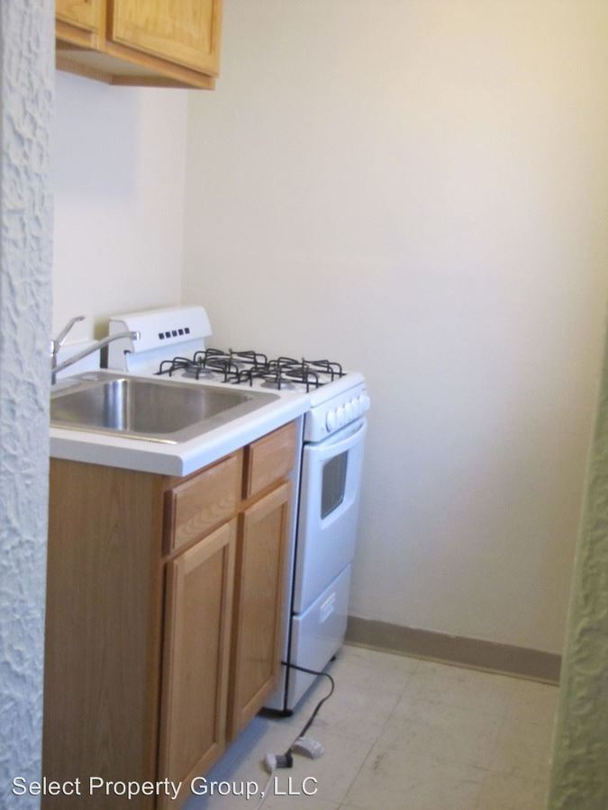 Studio 1 Bathroom Apartment for rent at 1767 N. Arlington Place in Milwaukee, WI