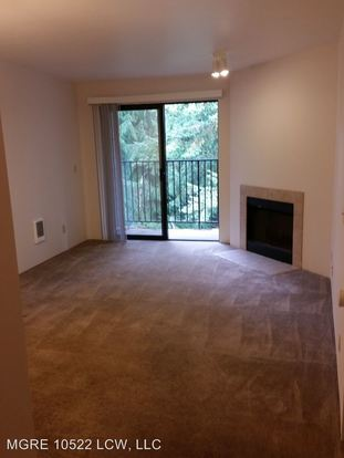 2 Bedrooms 2 Bathrooms Apartment for rent at 10522 Lake City Way Ne in Seattle, WA