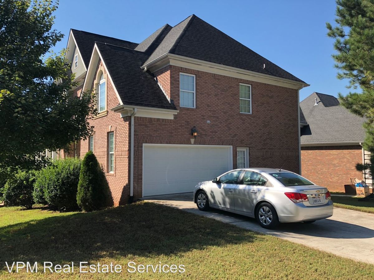 1 Bedroom 1 Bathroom Apartment for rent at 2901 Battlecrest Drive in Decatur, GA