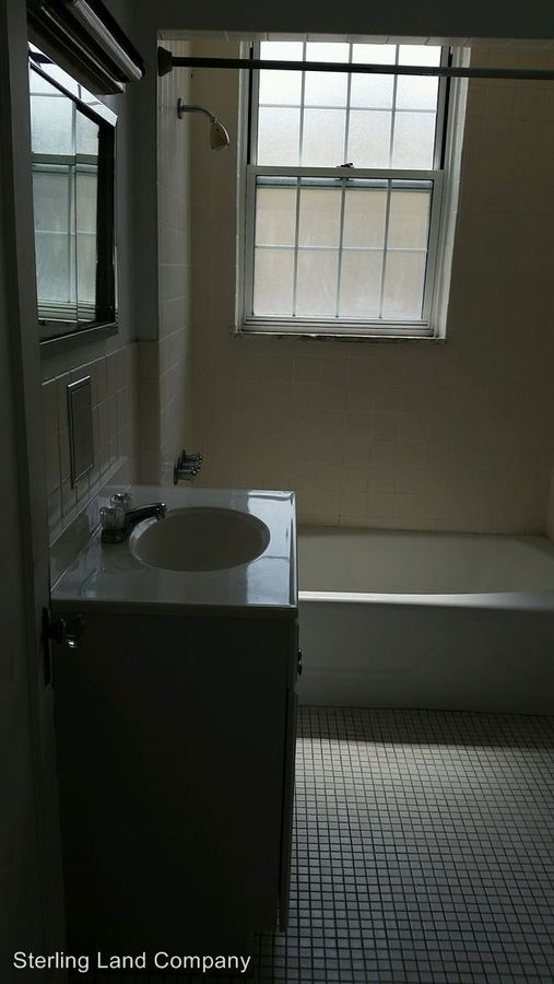 2 Bedrooms 2 Bathrooms Apartment for rent at New King Edward Apartments in Pittsburgh, PA