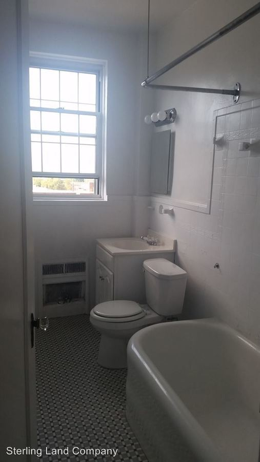 1 Bedroom 1 Bathroom Apartment for rent at New King Edward Apartments in Pittsburgh, PA