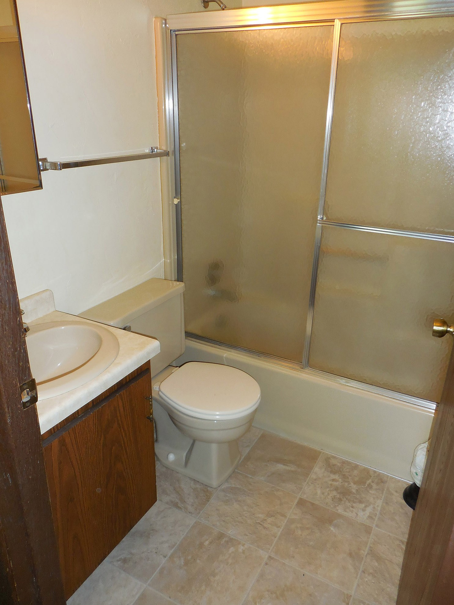 Windsor Heights Apartments, Green Bay - (see pics & AVAIL)
