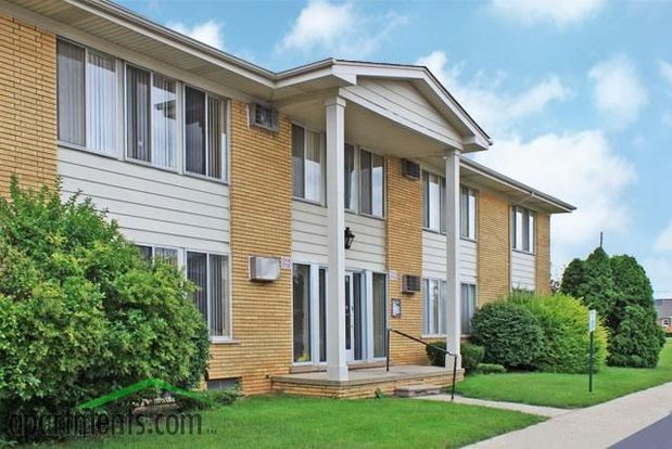 1 Bedroom 1 Bathroom House for rent at Villa Manor Apartments in Roseville, MI