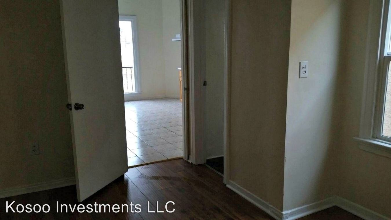 1 Bedroom 1 Bathroom Apartment for rent at 1018 W. 57th Street in Los Angeles, CA