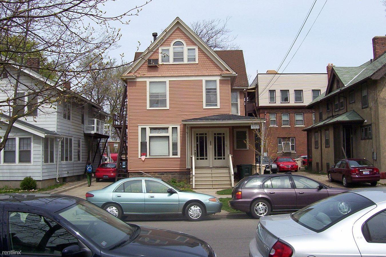 Studio 1 Bathroom Apartment for rent at 815 E Ann St in Ann Arbor, MI