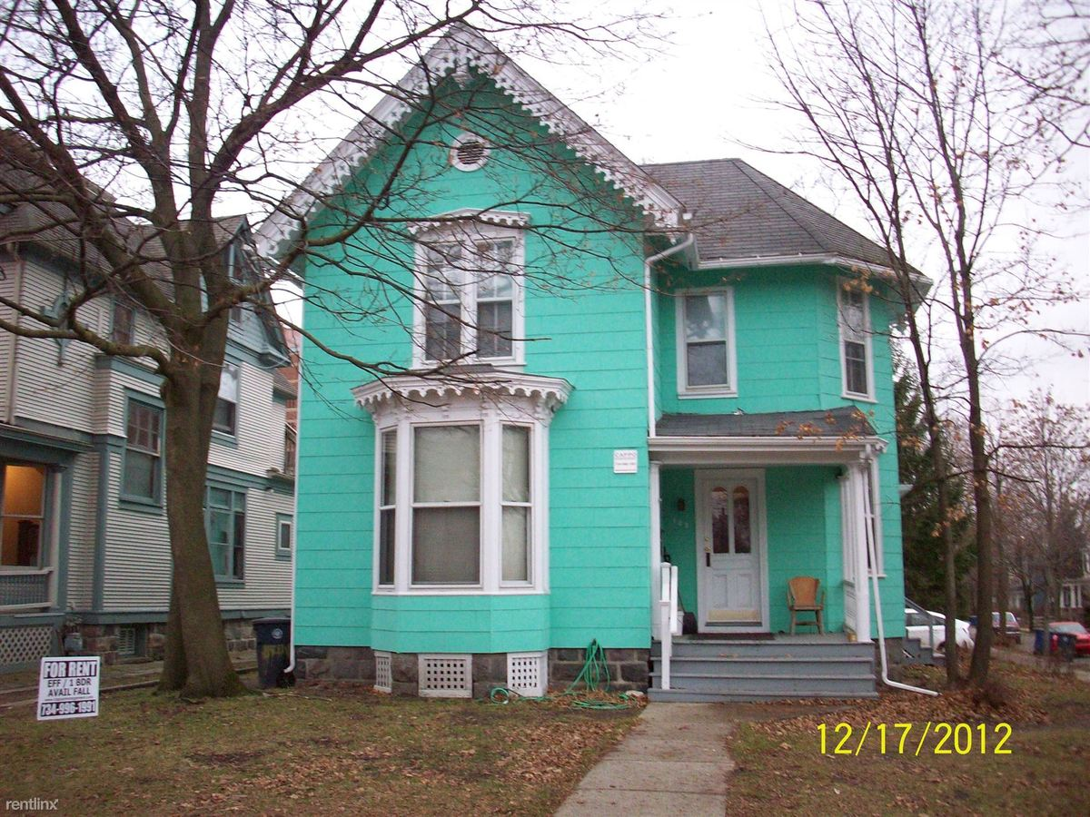1 Bedroom 1 Bathroom Apartment for rent at 127 N State St in Ann Arbor, MI