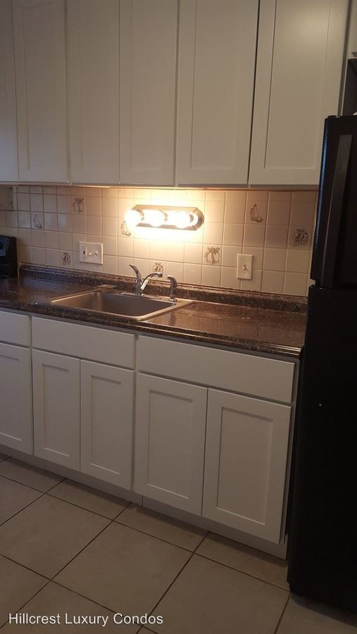 2 Bedrooms 1 Bathroom Apartment for rent at 138 Hillcrest Avenue in Waterbury, CT