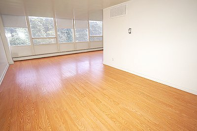 3 Bedrooms 2 Bathrooms Apartment for rent at Parklane in Pittsburgh, PA