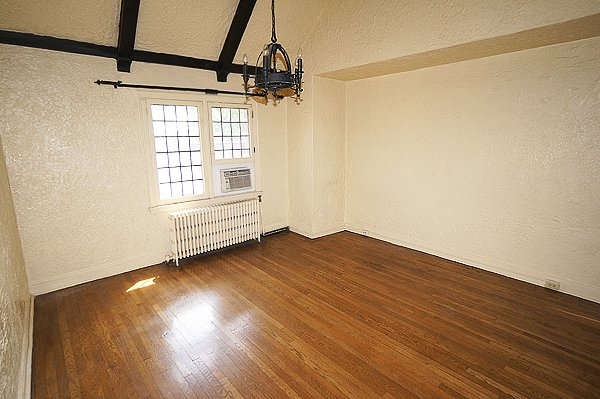 Studio 1 Bathroom Apartment for rent at Schenley Arms in Pittsburgh, PA