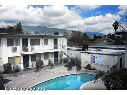 2 Bedrooms 1 Bathroom Apartment for rent at 100 S. Altadena Drive in Pasadena, CA