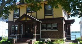Similar Apartment at 1341 Morrison Street
