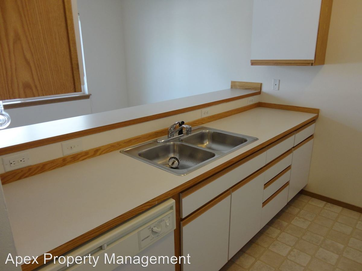 2 Bedrooms 2 Bathrooms Apartment for rent at 1003 - 1009 24th Street in Bellingham, WA
